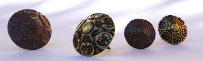 Clous style Régence en bronze vieilli
